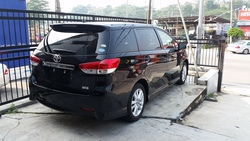 Toyota Wish 1.8 Sport Package