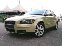 Volvo s40 2.4i 0506  1  thumb