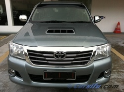 Hilux_01_view_thumb