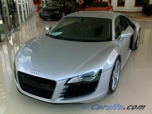 Audi_r8_view