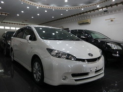 2010 toyota wish 1.8   6112       1 thumb