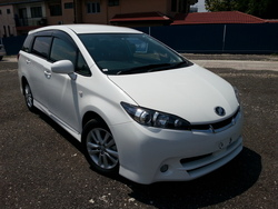 4054  toyota wish 1.8l s.package white  10 1 thumb