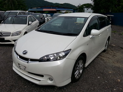 5745  toyota wish 1.8l s.package white  09 1 thumb
