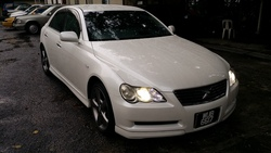 05 toyota mark x sport white  12  thumb