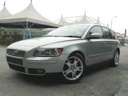 Volvo v50 2.5 t5 2008  01  thumb