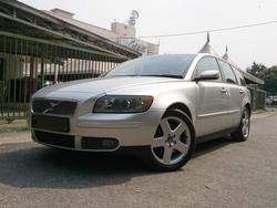Volvo v50 2.5 t5 0506  1  thumb
