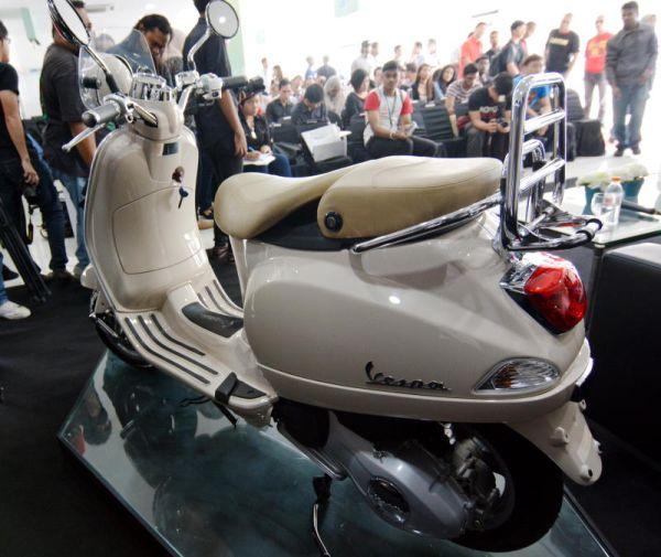 new vespa lxv 150 3v launched | carsifu