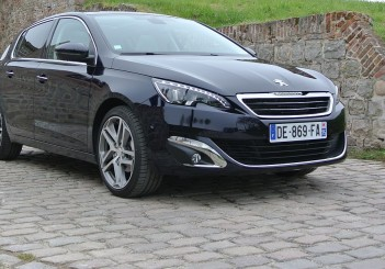 Peugeot 308&308SW Drive in France_2014_Hong Boon How (20)