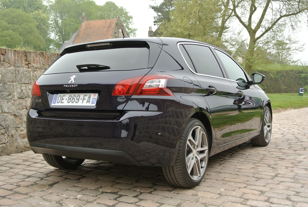 Peugeot 308&308SW Drive in France_2014_Hong Boon How (22)