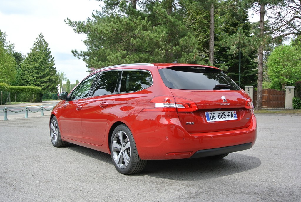 Peugeot 308&308SW Drive in France_2014_Hong Boon How (8)