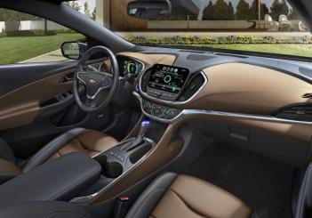 2016-Chevrolet-Volt-009