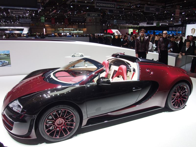 as bugatti 39 supercar 39 legend bows out others wait in line. Black Bedroom Furniture Sets. Home Design Ideas