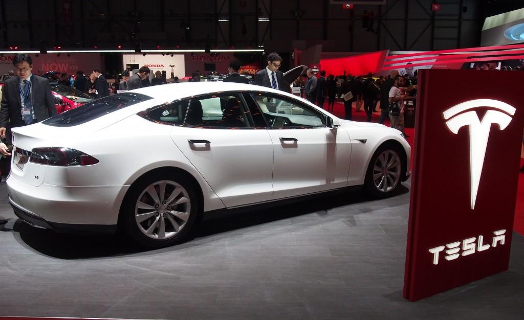 Tesla Model S Heading To Malaysia Carsifu