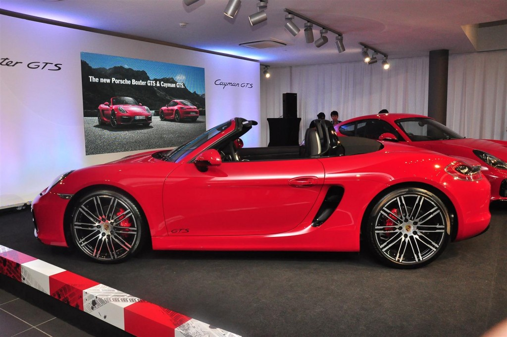porsche boxster gts and cayman gts enter carsifu. Black Bedroom Furniture Sets. Home Design Ideas