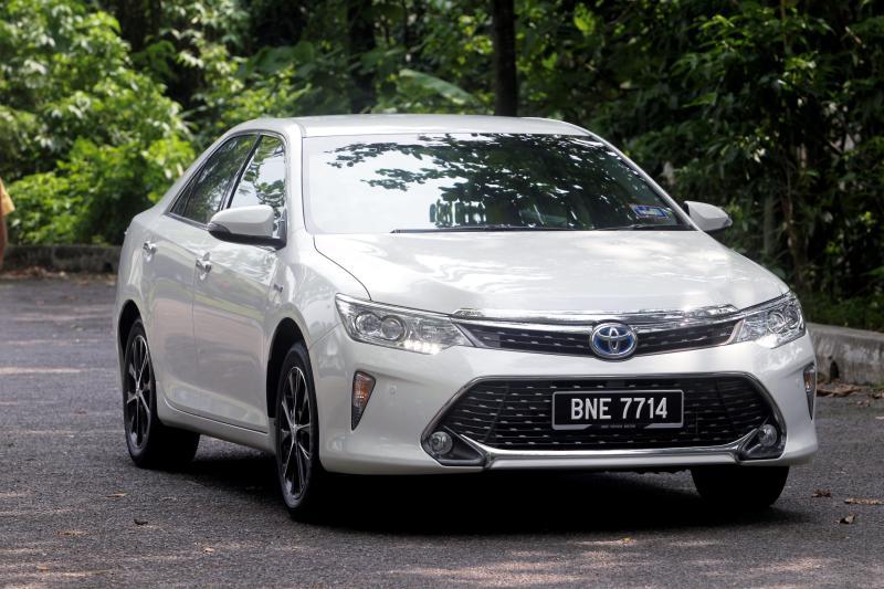 Toyota Camry Hybrid - 03