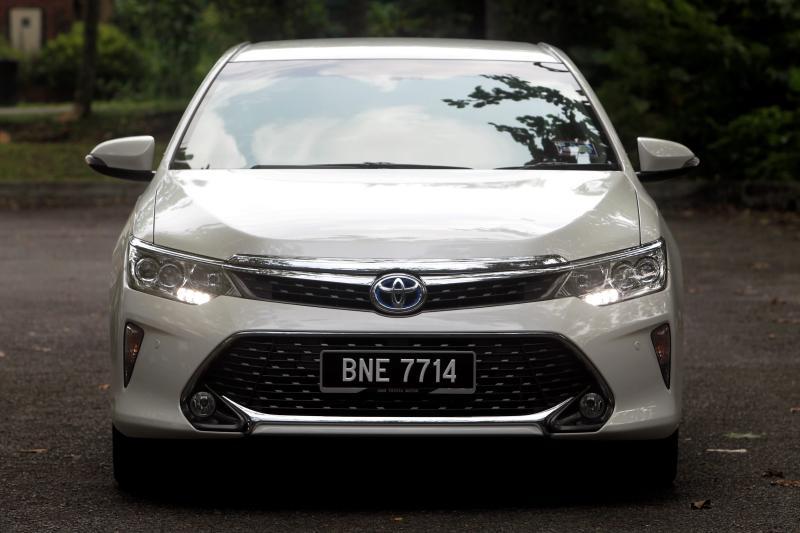 Toyota Camry Hybrid - 04