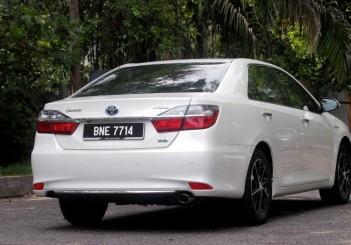 Toyota Camry Hybrid - 06
