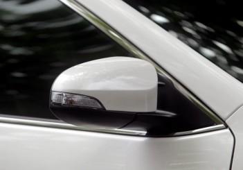 Toyota Camry Hybrid - 09