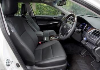 Toyota Camry Hybrid - 10