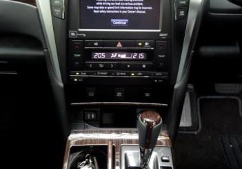 Toyota Camry Hybrid - 12
