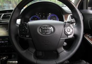 Toyota Camry Hybrid - 13