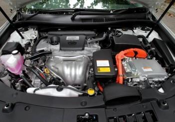 Toyota Camry Hybrid - 19
