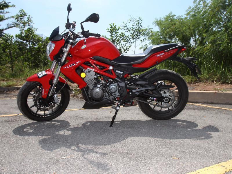 Benelli TNT 300 (7)