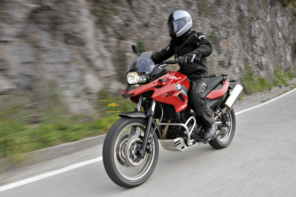 bmw motorrad to introduce f 700 gs and 800 r | carsifu