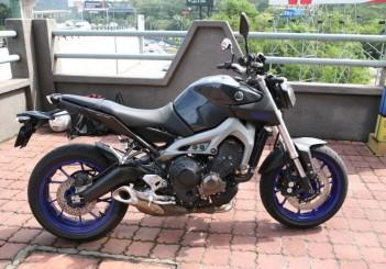 Yamaha MT-09 - 02