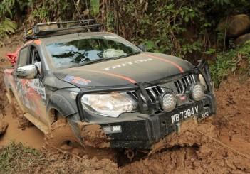 Mitsubishi - 05 Triton VGT MT at the Borneo Safari challenge
