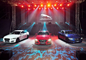 Jaguar XE - 02