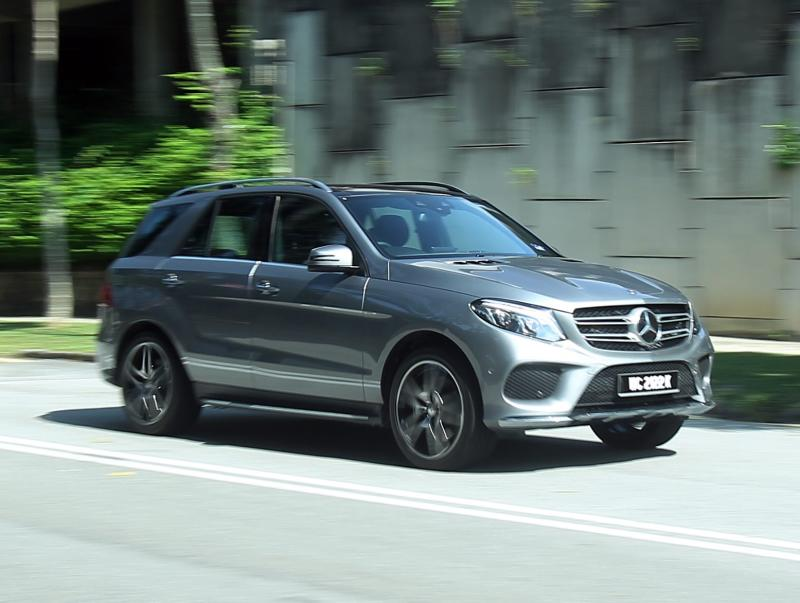 First drive of mercedes benz gle 400 4matic carsifu for Mercedes benz gle review