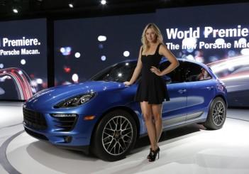 Porsche_Macan_World_Premiere_LA_Auto_Show_2013_with_Porsche_Brand _Ambassador_Maria_Sharapova