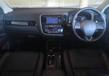 Mitsubishi Outlander - 10