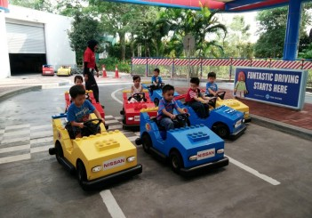 Nissan Safety Campaign (2016) at Legoland - 01 Nissan Driving School