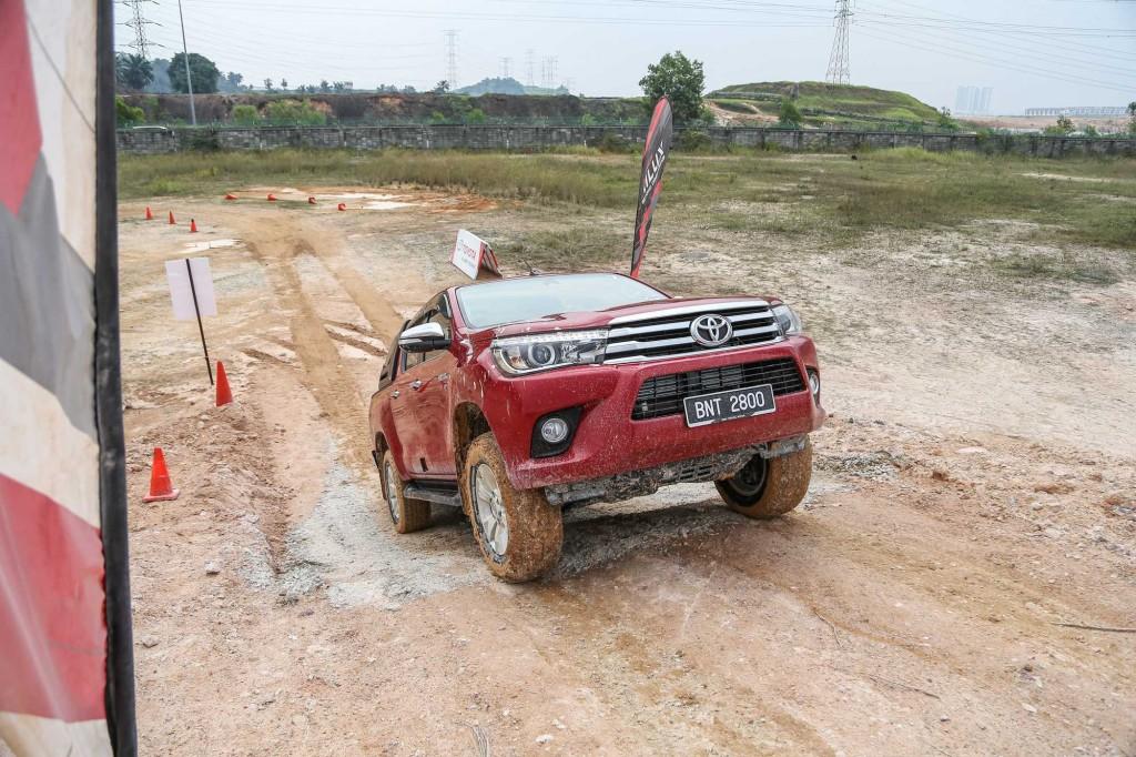 Toyota_Hilux1