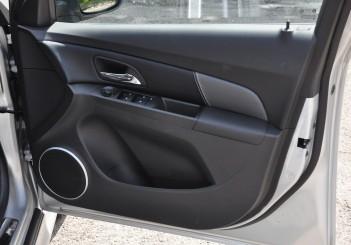 Chevrolet Cruze Sport - 32