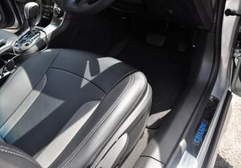 Chevrolet Cruze Sport - 36