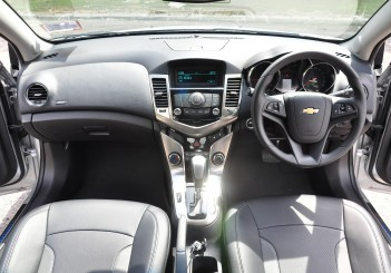 Chevrolet Cruze Sport - 54
