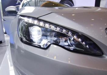 Peugeot 408 e-THP (23)