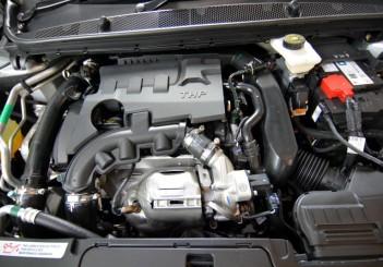 Peugeot 408 e-THP (5)