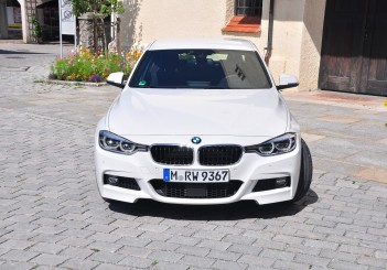BMW 330e iPerformance - 03