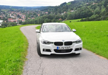 BMW 330e iPerformance - 04