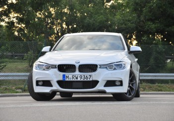 BMW 330e iPerformance - 07