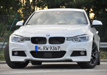 BMW 330e iPerformance - 08