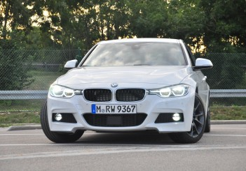 BMW 330e iPerformance - 11