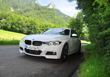 BMW 330e iPerformance - 33