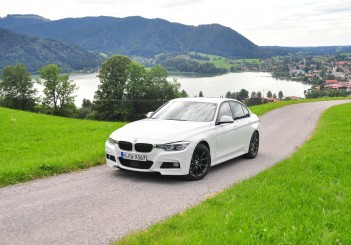 BMW 330e iPerformance - 34