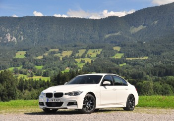 BMW 330e iPerformance - 36