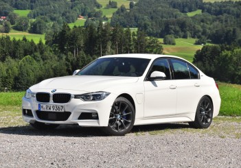 BMW 330e iPerformance - 37